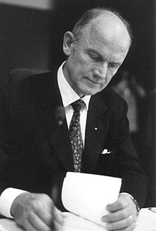 220px-Ferdinand_Piech_by_Stuart_Mentiply